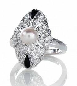 鑽石鑽戒資訊網--品牌結婚鑽戒介紹