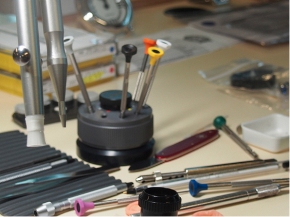 how to become a master watchmaker