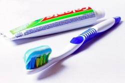toothbrush-685326_640
