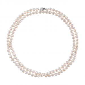 A long strand of pearls seals the looks for a vintage bride taking her cue from the flappers of the 1920s.