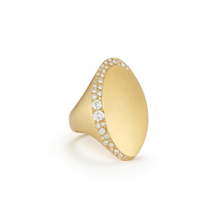 Large 18k Yellow Gold Jade Trau Adele Diamond Ring