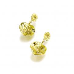 Coomi 20k Gold and Diamond Flower Earrings