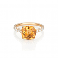 18k Gold and Cushion Citrine Ring