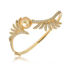 Hueb Apus 18k Gold and South Sea Pearl Bracelet